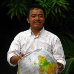 Meas Viphou, Project Manager - meas_viphou@crdt.org.kh - Born in Kandal province and graduated from Maharishi Vedic University in 2006, since which time he has been right here at CRDT. He loves having the opportunities he does to work in sustainable development by supporting biodiversity. He values conservation and loves forest and wildlife so much and keep the conservation value forever.